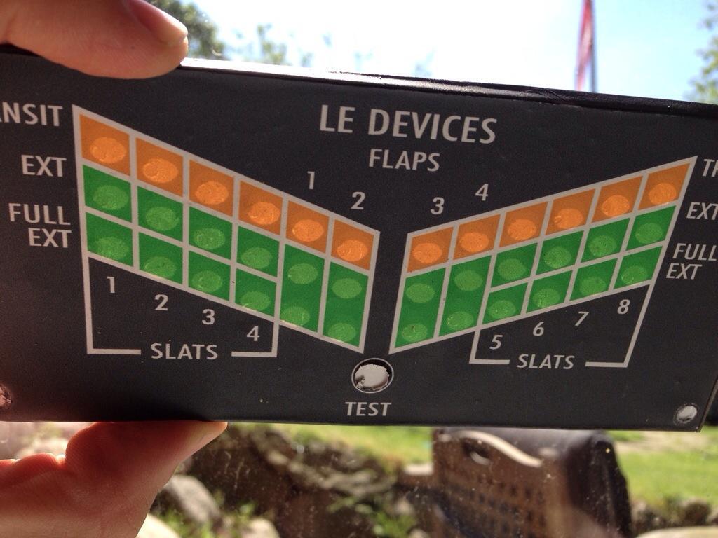 Flaps panel 20140526-224149-81709955